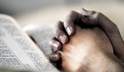 pic_giant_082014_SM_Praying-Hands-DT